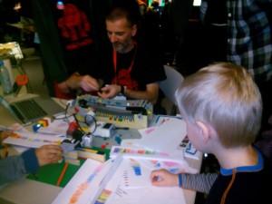 Legoklossarna styr ritningen Oslo Maker Faire 2014
