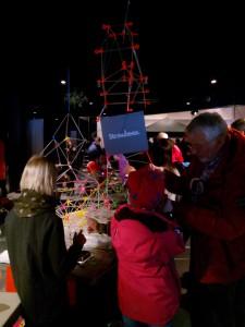 skapar med sugrör Oslo Maker Faire 2014